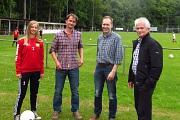 Nele Korte mit ihrem Vater, Michael Stahlhut und Hans-Georg Kanning